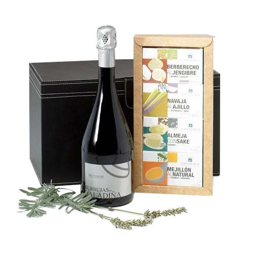 Luxurious Festive Ambiance Wine N Assortments Box