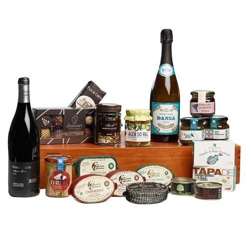 Nicely-Integrated Happy Holidays Wine N Delicacy Gift Set