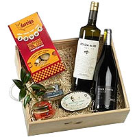 Hypnotic Feast with Food N Assortments Gift Hamper