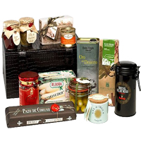 Generous Holiday Delight Gift Set