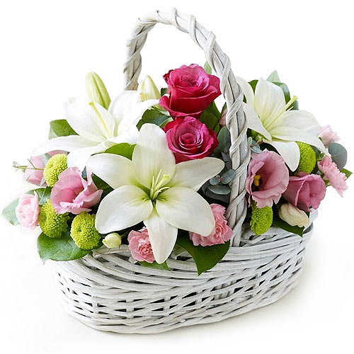 Touching Smart Feelings Floral Basket