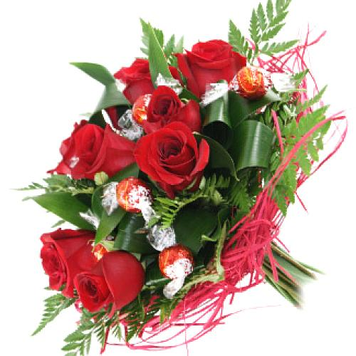 Special Blooming Love Bouquet of Red Roses with Lindt Chocolates