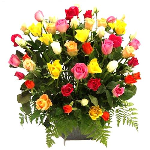 Beautiful Garden of Grandeur Mixed Roses Arrangeemnt