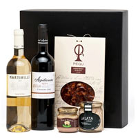 Distinctive Wine and Gourmet Delight Gift Hamper<br>