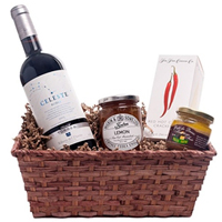 Entertaining Day At The Races Gift Hamper