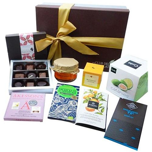 Luxurious Connoisseurs Passion Chocolates Hamper