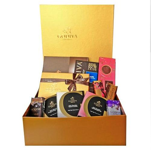 Exquisite Godiva Lovers Belgian Chocolates Hamper<br>