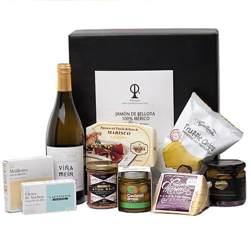 Ideal Gourmet Christmas Gift Hamper for Family