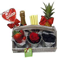 Tasteful V-Day Delicacy Gift Basket