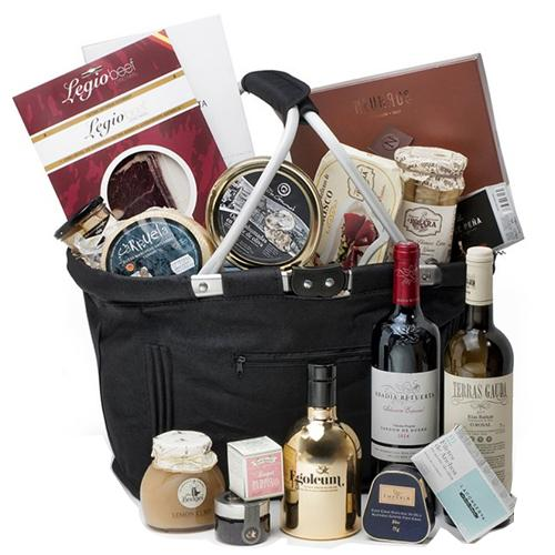 Deluxe Wine Delights Gift Hamper