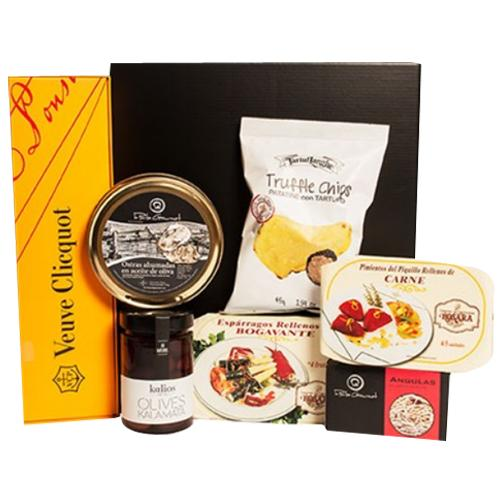 Premium Selection Gift Basket of Wine N Assortments