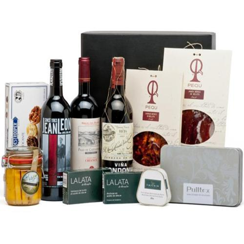 Classic Wine N Chocolates Gift Hamper